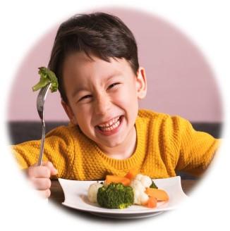 ¿Cómo enseñar a mi hijo a comer verduras?