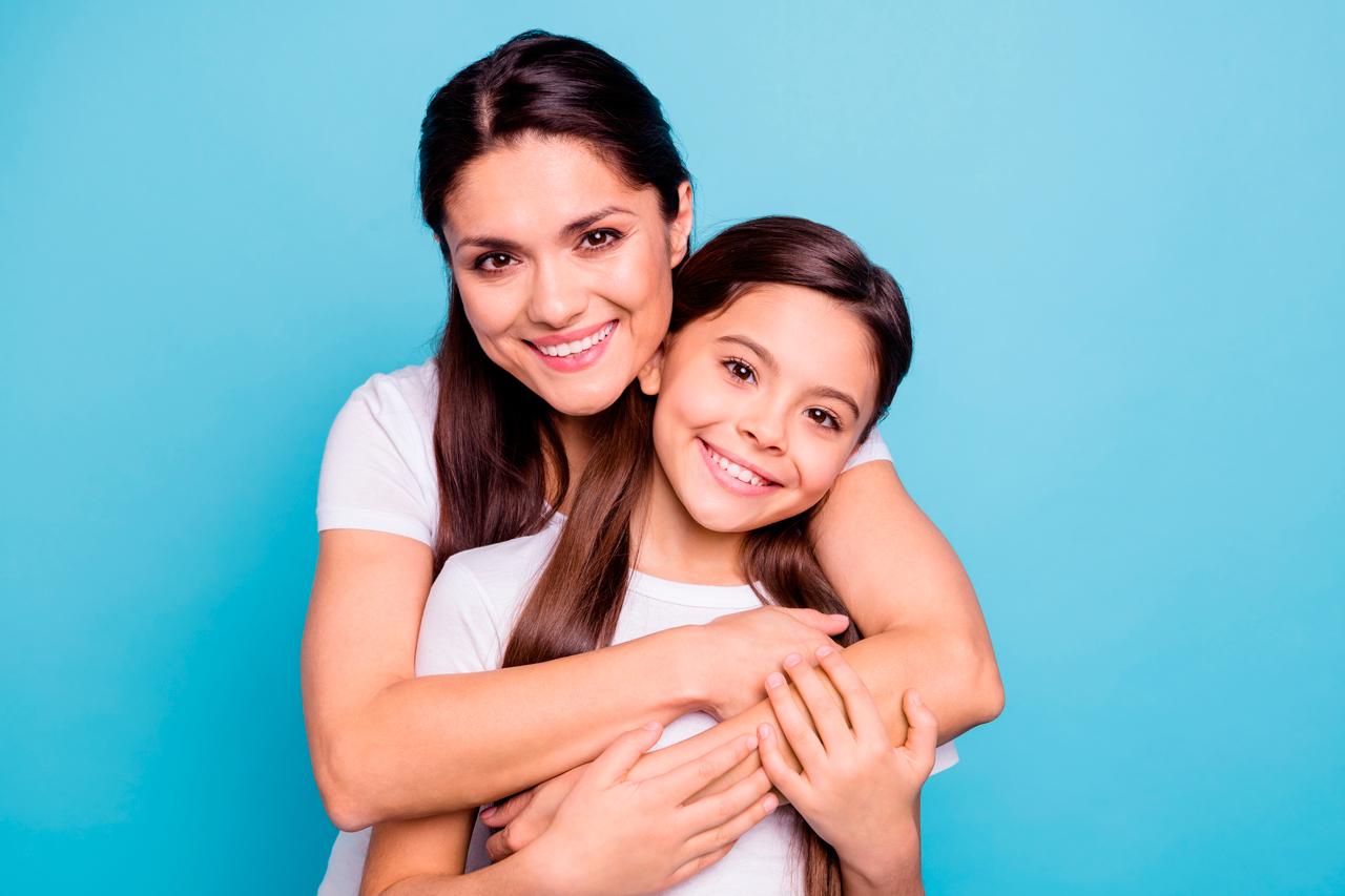 ¿Cómo puedo hablarle de menstruación a mi hija?